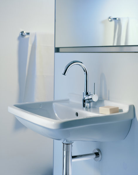 Hansgrohe Talis S single-lever basin mixer, pop-up waste, 360° swivel spout, 145mm projection